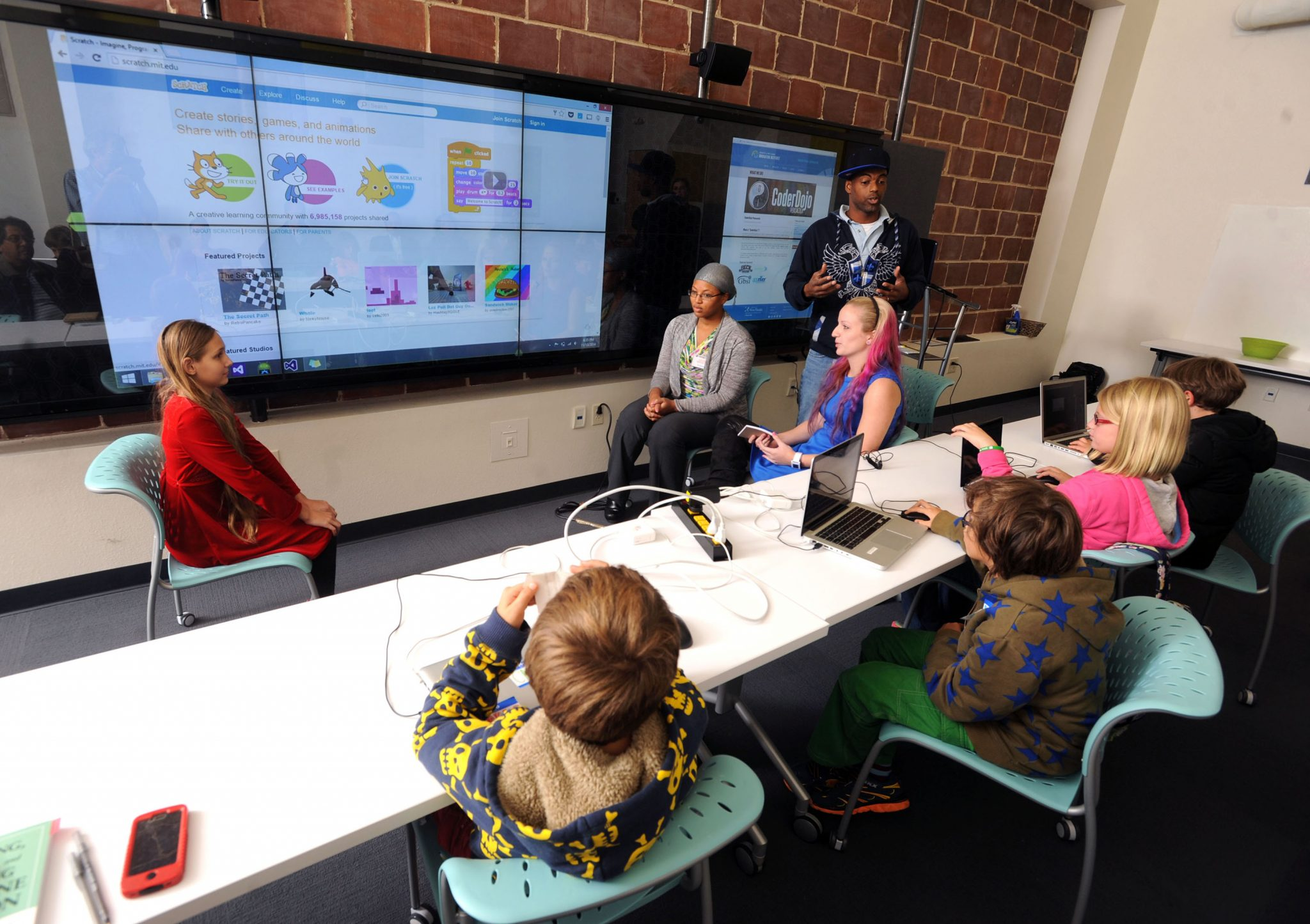 UWF Innovation Institute continues CoderDoJo movement and ...