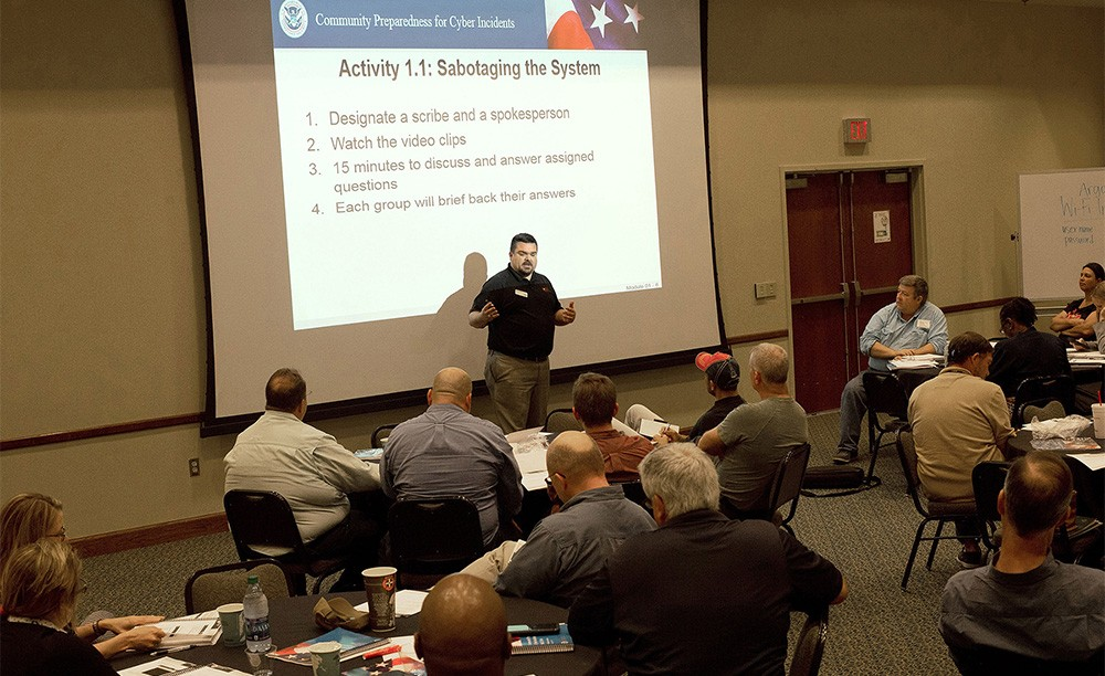 Uwf Center For Cybersecurity Partners With Fdle To Enhance