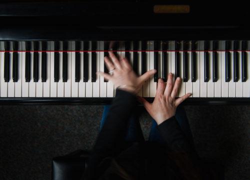 UWFAlumna_Dr. Patricia Izbicki plays piano